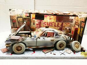 Vergessene Autowelt - Werkstatt beleuchtet Chevrolet Corvette C2 1963 1:18 (205)