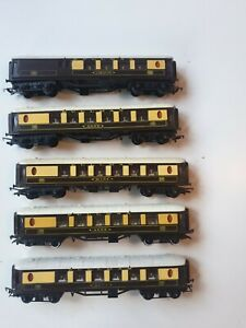 TRIANG 00 JOB LOT OF 5x VARIOUS PULLMAN COACHES - JANE / ANNE / MARY / CAR 79
