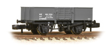 Graham Farish 377-954A 13 Ton High Sided Steel Wagon (Smooth Sides) Wooden Door