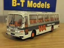 B-T Base Toys Wallace Arnold WA Duple dominant II coach bus modèle B016A 1:76 BT