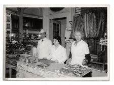 PHOTO ANCIENNE Portrait commerçant Boulangerie Boulanger Pain 1960 Magasin