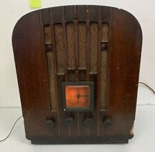 General Electric Cathedral Tombstone Tube Desktop Radio Working  - No reserve
