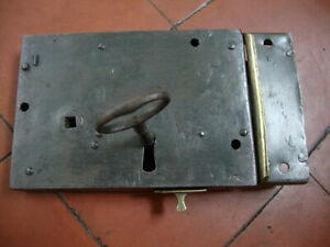 Antique early Georgian complete right handed door lock with keep and key
