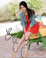 """~~ VICTORIA JUSTICE Authentic Hand-Signed """"CUTE"""" 8x10 Photo B ~~"""