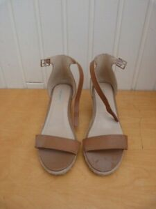 A Pair Of Brand New Ladies/Womens Mid Heel Open Toe Ankle Strap Summer Shoes 8