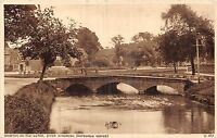 POSTCARD   GLOUCESTERSHIRE   BOURTON  ON  THE  WATER   River  Windrush