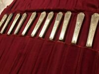 1847 Rogers Bros Silverplate Flatware ANCESTRAL 12 Dinner Knives Mono LOT Silver
