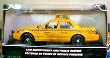 Motor Max 2007 Ford Crown Vic Checker Cab Diecast Taxi Car 1:24 Scale NIB