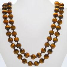 Collar de joyería con gemas de oro amarillo