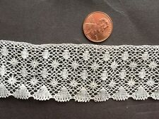 Vintage machine torchon lace, small fans along edge, small rounds CRAFT yardage
