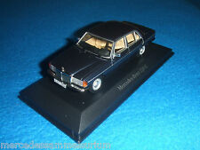 Mercedes Benz W 123 - 230 e Limousine/Saloon azul 1:43 nuevo embalaje original
