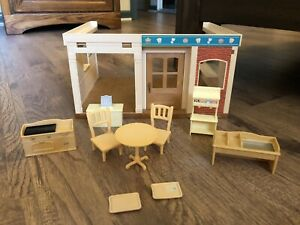 Sylvanian Families Calico Critters Rare Betty's Burger Restaurant with 10 Pieces