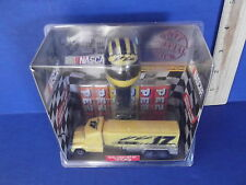 NASCAR MATT KENSETH'S RACING PEZ DISPENCER GIFT SET NEW IN BOX