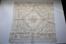Rare et ancien mouchoir de mariage époque 19 ème siècle 57 cm x 57 cm