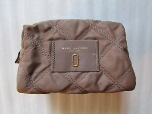 Marc Jacobs Cosmetic Bag Quilted Nylon Knot Large Pouch French Grey NEW