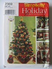 Simplicity Holiday Pattern 7369 Christmas Stockings*Pillow*Tablecloth*Tree Skirt