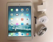 Apple iPad mini 16GB, Wi-Fi, 7.9in - White & Silver (1)