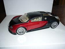 BUGATTI VEYRON EB 16.4 (FRANKFURT 2001) AUTOart AUTO ART 1/18 rouge et noire