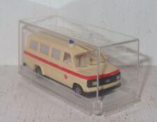 D142 Revell/praline Ford Transit Deutsches cruz roja KRW 1:87 OVP 82402