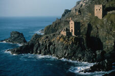 656022 Precariously Placed Mineshaft At Botallack A4 Photo Print