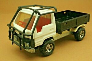 Camion TOYOTA plateau ridelles - MAJORETTE - Série 3000 - Made in France - 1:35