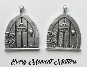 5 x Tibetan Silver FAIRY DOOR FAIRY WISH DOOR PIXIE HOBBIT DOOR 25mm Charm