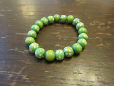 Green & White Daisy Flower Painted Wood Elasticated Bracelet