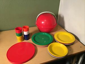 Vintage Ingrid Mid Century Atomic Picnic Set Plates Camping Party Ball Complete
