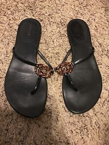 female gucci flip flops