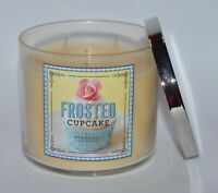 BATH & BODY WORKS FROSTED CUPCAKE SCENTED CANDLE 3 WICK 14.5OZ LARGE VANILLA