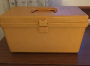 Vintage 1970 WILSON Wil-Hold Plastic Yellow Craft Sewing Box Tray Thread Storage