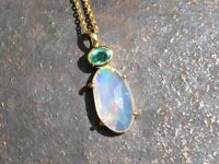 "Solid 9ct gold Opal & Emerald pendant necklace, adjustable to 18"" length, London"