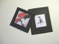 2 DOLLS HOUSE MINIATURE  PICTURES W4R