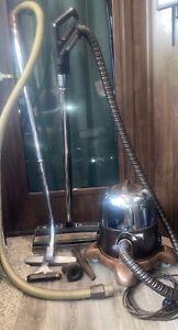 Vintage  Rainbow Rexair Model D2 Vacuum Cleaner Power Nozzle & Attachments Vguc