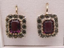 Selten schön gehaltene sehr elegante Ohrringe Silber vergoldet mit Ziersteinen