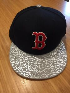 New Era 9FIFTY Boston Red Sox Hat Cap MBL Snapback Snap Back Excellent Condition