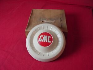 1955 1956 1957 1958 1959 GMC Pickup Truck Dog Dish Painted Hub Cap #2324198