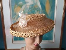 Chapeau de femme ancien en paille avec branche de fleur  - 864