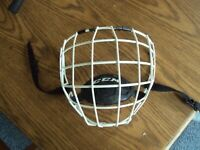 Small CCM Hockey Cage For Hockey White Helmet (SM-15)