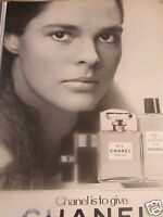 1971 Chanel No 5 Cologne Original Print Ad-Ali Mcgraw - 8.5 x 10.5""