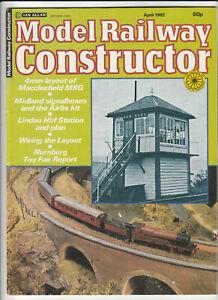 MODEL RAILWAY CONSTRUCTOR Magazine April 1982 - Macclesfield MRG 4mm Layout