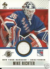 MIKE RICHTER 2001-02 PRIVATE STOCK GAME GEAR #69
