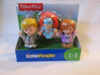 Fisher Price Little People Big Helpers Family Mom Dad Baby Caucasian Blonde