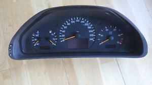 Tacho, Kombiinstrument, mit 147800km, Mercedes W202, 220CDI, Nr. 2105405048