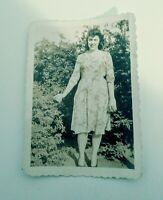 """Vintage Old 1940's Post WW2 the Fashion Style (1) Photo (2.5""""×3.5"""")"""