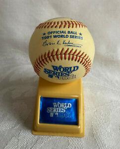 1981 78th World Series Rawlings Offical MLB Game Baseball Ball w/ Display Stand
