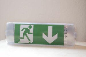 LED Notleuchte Fluchtwegleuchte Notbeleuchtung Notausgang Unten Links Rechts