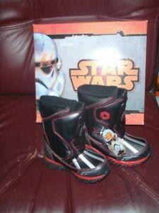 "Star Wars Darth Vader Toddler Boy Snow Boots ""Light Up""  Size 8T  NEW W/BOX"