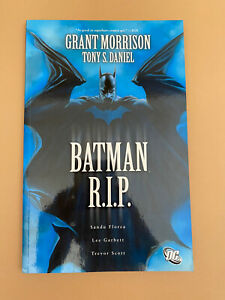 Batman RIP DC Graphic Novel Grant Morrison Paperback Illustrated