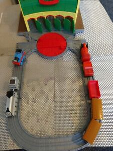 THOMAS THE TANK TIDMOUTH SHEDS WITH PLASTIC ENGINES AND CARRAIGES